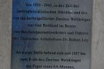 hitlermauergutrottland21-04-2013001