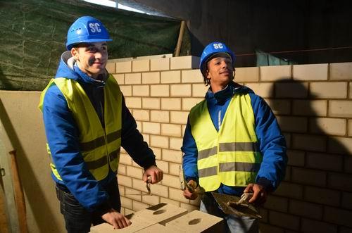 Gaubatz und Santos bauen mit