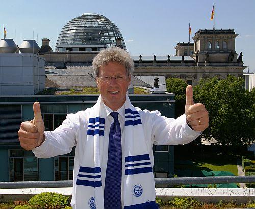 Photo of Der Countdown läuft: Eugen-Halle zum Abschied in Blau-Weiß tauchen