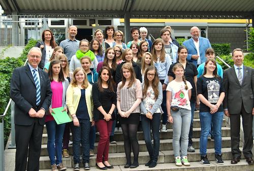 Photo of Zertifikatverleihung für engagierte Jugendliche: Sozialführerschein bestanden