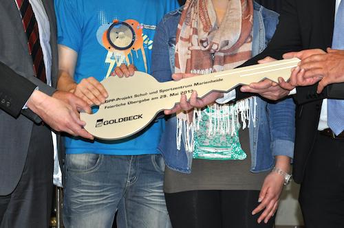 Photo of Feierliche Schlüsselübergabe: Gesamtschule wird Vorzeigeobjekt