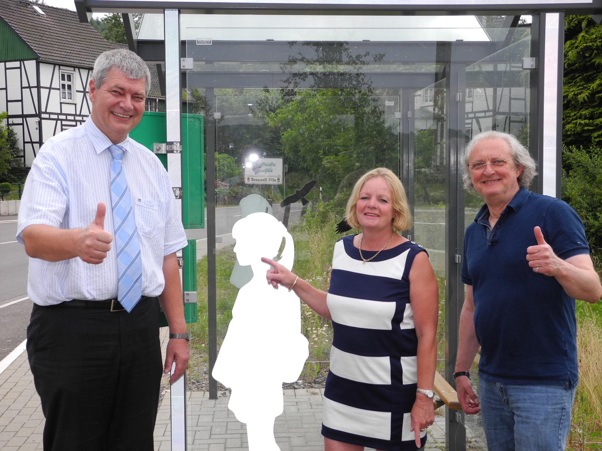 Photo of FDP-Ortsverband sponsert Sicherheitsbeklebung