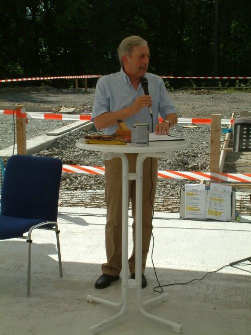 Bürgermeister Becker - Blonigen bei seiner Festrede. Foto: Klein