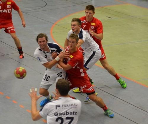 Harter Kampf und den Ball / Text und Bilder : Uwe Schlegelmilch