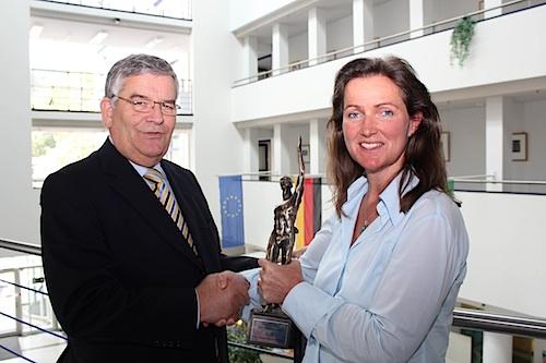 Photo of Wiehlerin Elisabeth Decker gewinnt renommierten Wirtschaftspreis