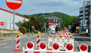 Waldbröl/Windeck: B 256, Fahrbahnerneuerung zwischen Waldbröl und Schladern, Vollsperrung