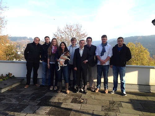 Sebastian Hahn, Dominik Seitz, Lisa Krämer, Linda Amamra, Sebastian Diener, Markus Feußner, Johannes Diehl, Axel Friedrichsen, Christoph Wenzel (v.l.) - Foto: FDP Oberberg