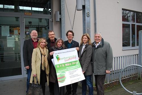 Dirk Westerheide, Daniela Sappok, Frank Sering, Sabine Cassel, Wipperfürths Bürgermeister Michael von Rekowski, Angela Altz, Rainer Drevermann (v.l.) - Quelle: ZVW Event & Marketing