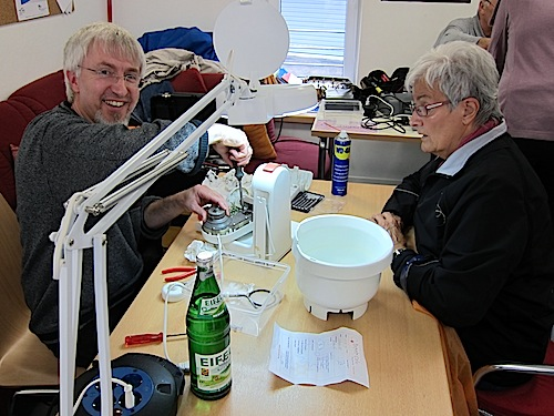 """Photo of Das """"Repaircafé"""" ist erfolgreich eröffnet"""