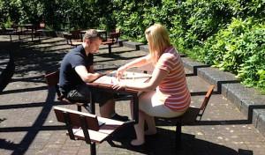 Neue Brettspieltische im Kurpark Eckenhagen