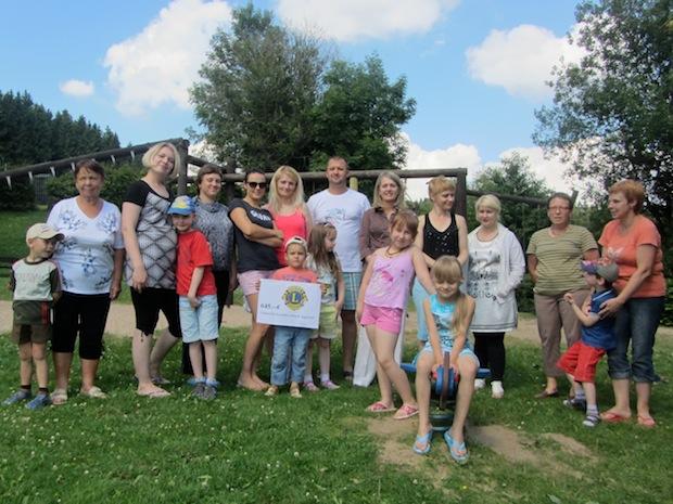"Photo of Lions Club Gummersbach-Aggertal unterstützt Initiative ""Den Kindern aus Tschernobyl"""