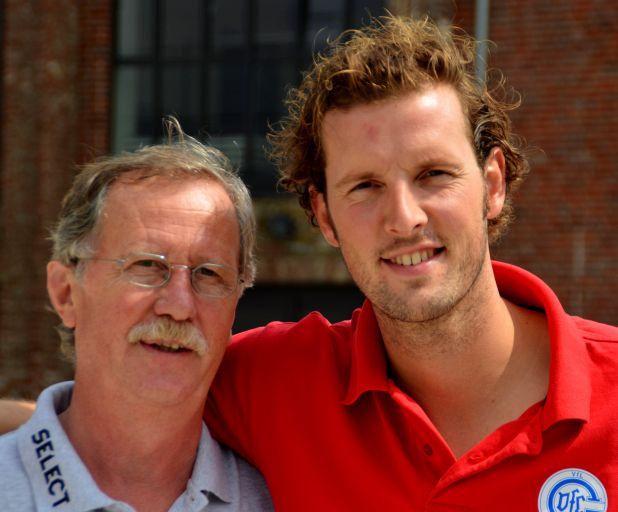 VfL Kapitän Christoph Schindler und Mannschaftsbetreuer Bernd Erlinghagen