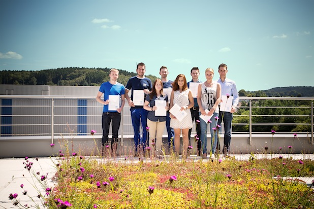 Photo of 13 strahlende Azubis bestehen ihre Abschlussprüfung – PFERD stolz auf gute Leistungen