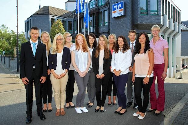 Photo of Volksbank begrüßt neue Auszubildende