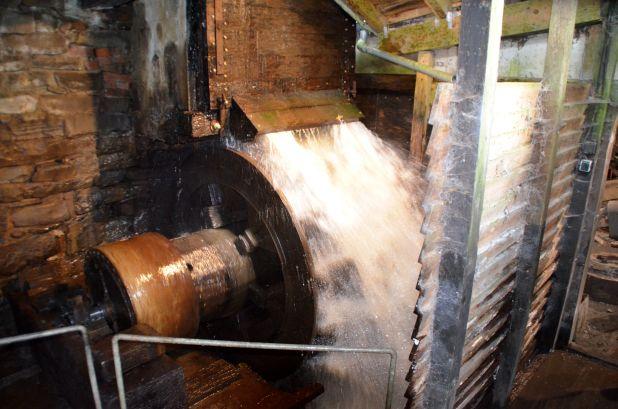 Mit Wasserkraft wird der Hammer seit je her betrieben
