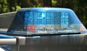Bergneustadt: Räuberischer Diebstahl – Ladendiebe flüchten mit Kind