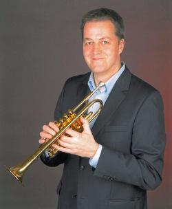 Peter Mönkediek (an der Trompete) wird das Weihnachtskonzert mitgestalten (Foto: OBK).