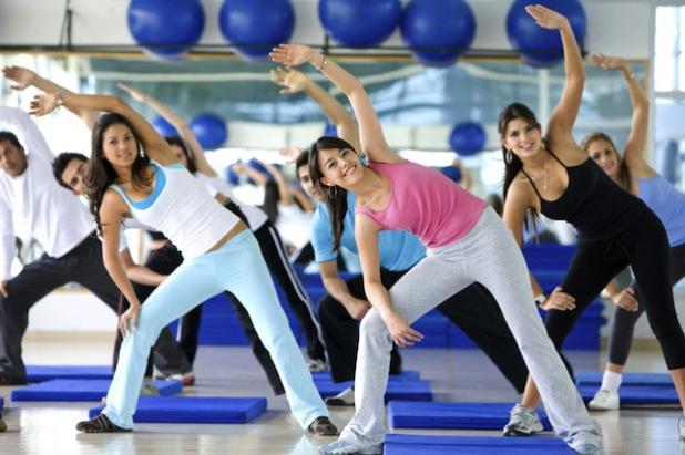 Fast jedes dritte deutsche Unternehmen bietet seinen Beschäftigten eigene Fitnesseinrichtungen an oder hat zumindest einen Firmenrabatt für externe Sporteinrichtungen ausgehandelt (Foto: djd/randstad/thx).