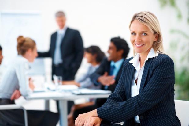 Angesichts des Fachkräftemangels in vielen Branchen schätzen immer mehr Unternehmen die professionelle Unterstützung durch Personaldienstleister (Foto: djd/Randstad Deutschland/thx).