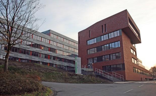 Auch im 2013 erweiterten Berufskolleg Dieringhausen können Schülerinnen und Schüler die Fachhochschulreife erwerben (Foto:OBK).