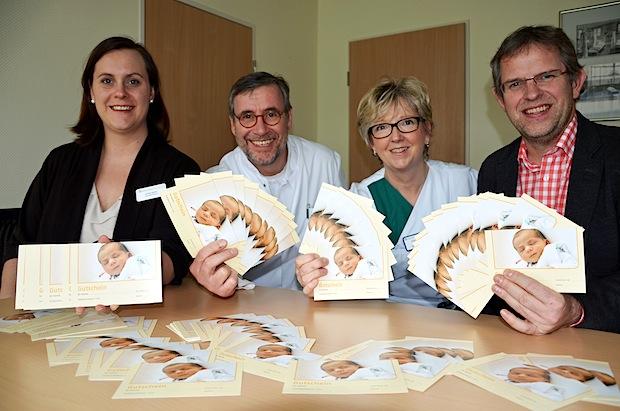 Photo of Frischgebackene Eltern erhalten Gutscheine für Erste-Hilfe-Kurse am Kind
