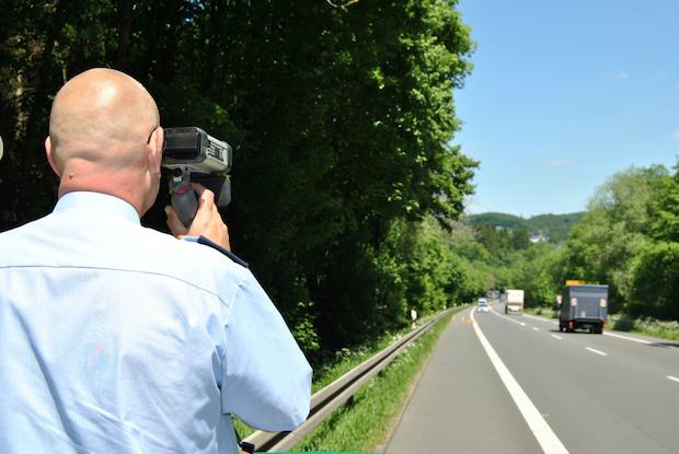 Photo of Angekündigte Geschwindigkeitskontrollen der Polizei