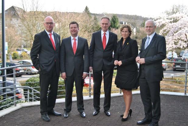 Von links: Jürgen Rogowski, Thomas Roß, Hartmut Schmidt, Larissa Gebser und Manfred Bösinghaus