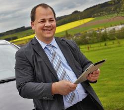 Im Social-Media Seminar zeigt Referent Sven Oliver Rüsche, wie Social Media in der Praxis funktioniert. Er ist seit 2012 im GTC Gummersbach ansässig.