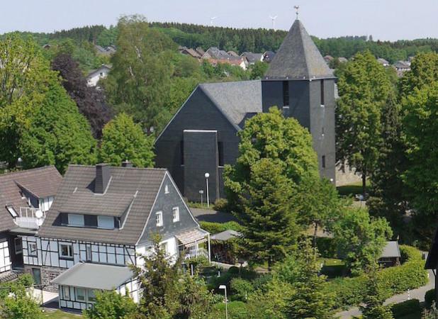 Die Kirche in Lichtenberg (Foto: C. Buchen)