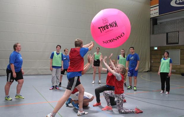Photo of Sport- und Gruppenhelferforum: Premiere in der Schwalbe Arena