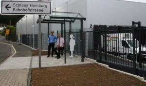 Neues Bushäuschen für Homburg-Bröl