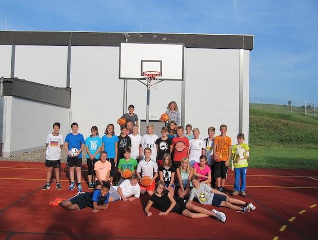Photo of Gesamtschule Marienheide freut sich über Spende zweier Basketballkörbe