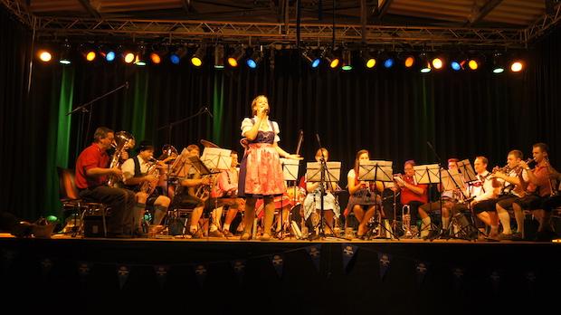Photo of Oktoberfest von Feuerwehr und Musikverein Wipperfürth