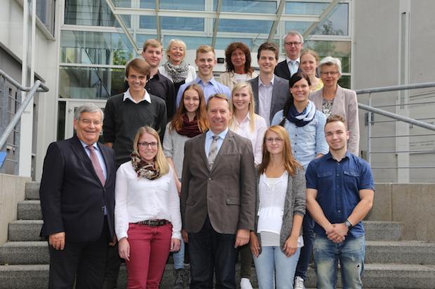 Photo of Ausbildungsstart – 9 neue Azubis in 2015 bei der Kreisverwaltung