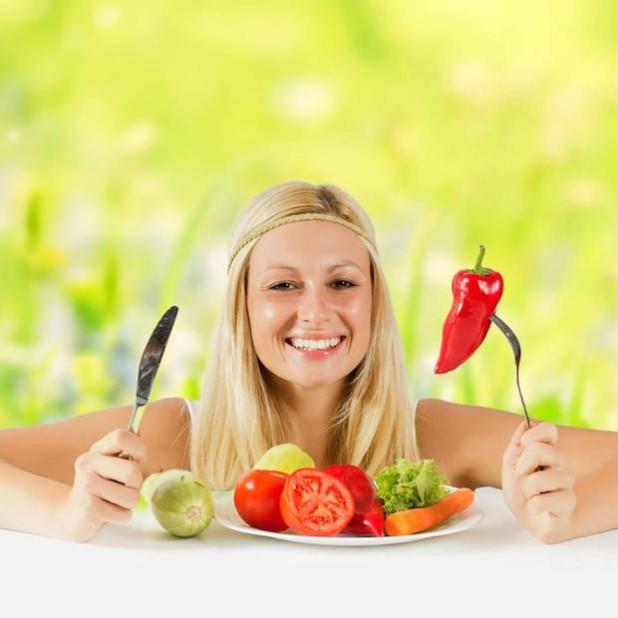 Täglich Obst und Gemüse: Basische Mineralstoffe aus der Ernährung können zur Entsäuerung des Organismus beitragen. Foto: djd/Basica/panthermedia.net