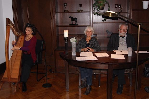 """Photo of Humorvolle Lesung zum Thema """"Älterwerden"""" in der Villa Engels"""