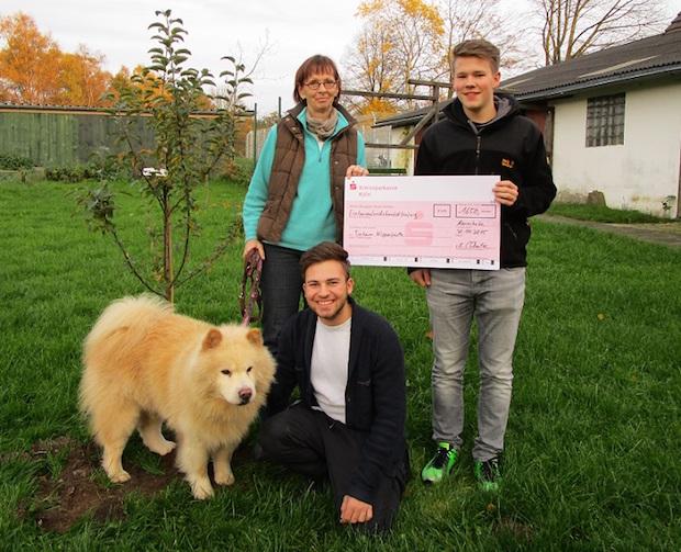 Photo of Schülerspende für das Tierheim Wipperfürth