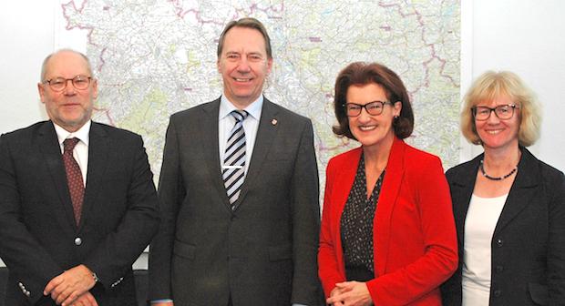Photo of Landrat Jochen Hagt zum Antrittsbesuch bei Regierungspräsidentin Gisela Walsken