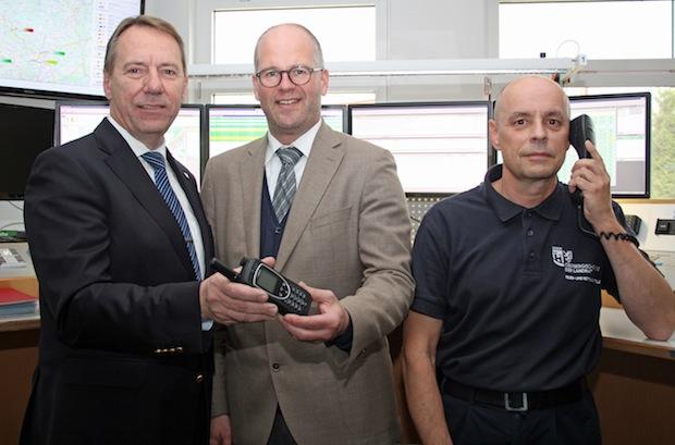 Photo of Kreis hat Satellitentelefon für Katastrophenschutz erhalten