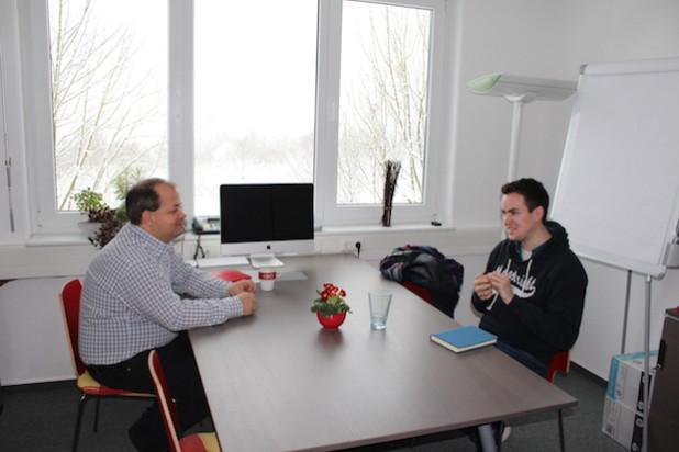 Sven Oliver Rüsche (Chefredaktion ON, links) und Johannes Diehl (rechts)