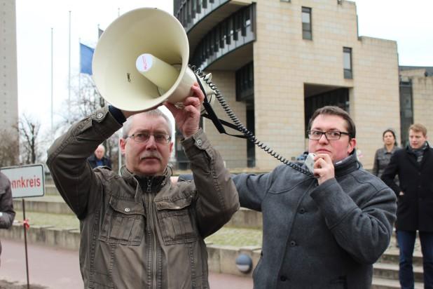 """Ulrich Saßmannshausen (Führungsteam """"Wir sind Bergneustadt"""") sorgte für ein konstruktives Umfeld. Lautstark in der Sache - aber sachlich im Gespräch. So sieht gelebte Demokratie aus!"""