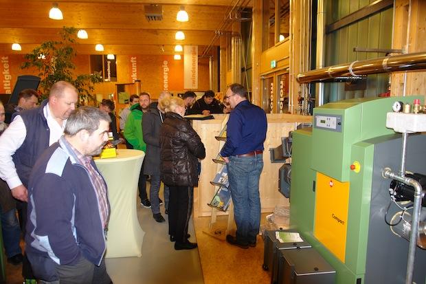 Photo of Lindlar: Heizvorführung im Bergischen Energiekompetenzzentrum
