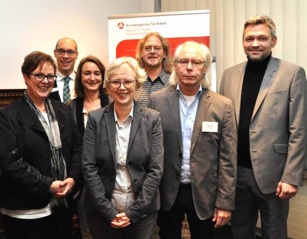 Von links: Irene Peppinghaus, Rainer Schwammborn, Evelyn Wüster, Marita Franssen, Ralf Werheit, Dieter Damps und Oliver Schorz (Quelle: Arbeitsagentur).