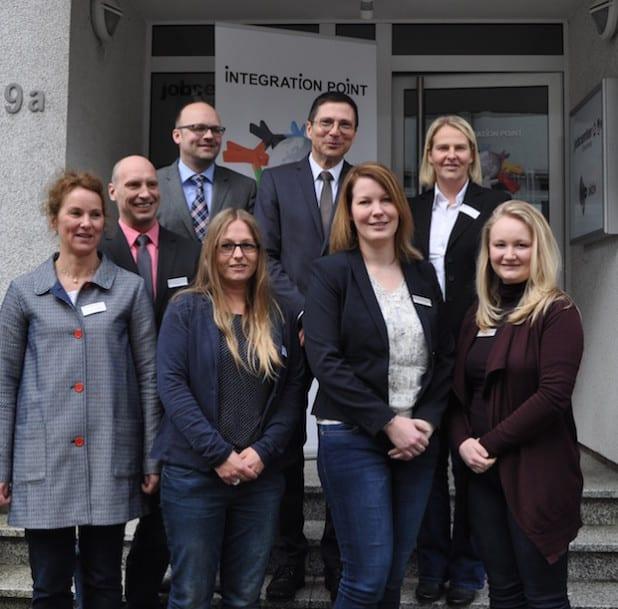 v.l. Michaela Banthleon (JC), Jörn Wolff (AA), Thorsten Rolfsmeier (AA), Theresa Fecker (JC), Rainer Drescher (JC), Sabine Unnasch (AA), Yvonne Wagner-Wolff (JC), Wiebke-Annika Reusch (AA) (Foto: Agentur für Arbeit)