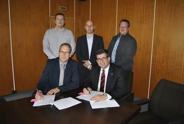 Photo of Schnelles Internet für Windhagen: Vertragsunterzeichnung gibt Startschuss für Breitbandausbau