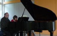 Morsbach: Brillante Klaviermusik für 4 Hände in Holpe