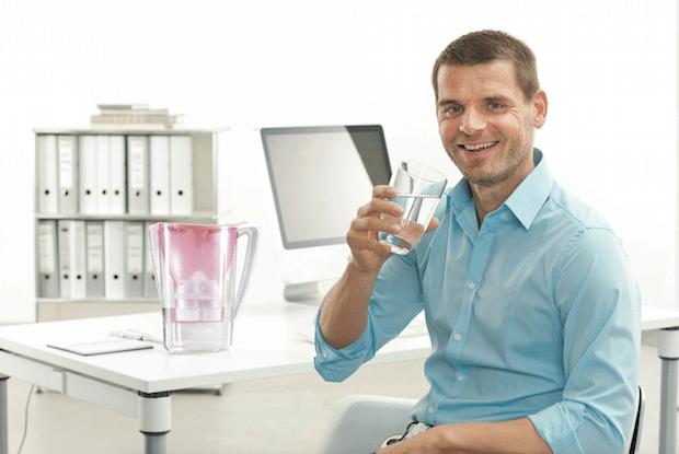 Photo of Magnesium-Wasser fürs Büro: Trink dir deinen Chef doch nett