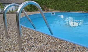 Der Umwelt zuliebe: Vorsicht bei der Poolreinigung