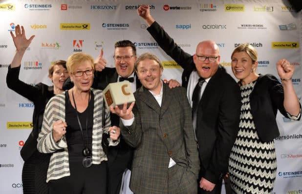 Goldpreisträger FERCHAU mit der BCM-Trophäe (Quelle: Ferchau Engineering GmbH)