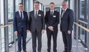 Radevormwald: Landrat Jochen Hagt zu Antrittsbesuch bei Gira